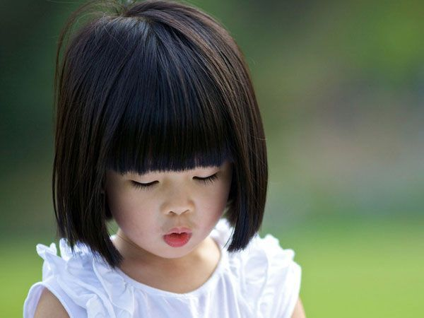 Wondering What Haircut To Get For Your Kid Bangs And Fringes Always Look Cute On Kids Here Are Some Simple Little Girl Haircuts Girl Haircuts Kids Hairstyles