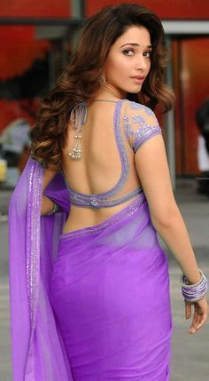 WOMEN IN SAREE