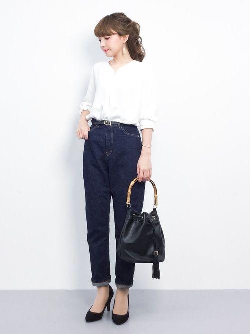 ZOZOTOWNayumi ;)さんのシャツ/ブラウス「DOORS Vネックタックブラウス(URBAN RESEARCH DOORS WOMENS|アーバンリサーチ ドアーズ ウィメンズ)」を使ったコーディネート