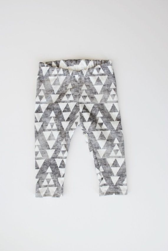Slightly tribal and totally hip - We love this triangle print on both boys and girls! Made from 100% organic cotton knit fabric with a charcoal