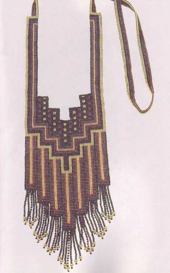 геометрическое ожерелье из бисера