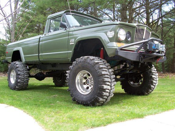 Minor confession- This girl loves big off-roading trucks. That's right.