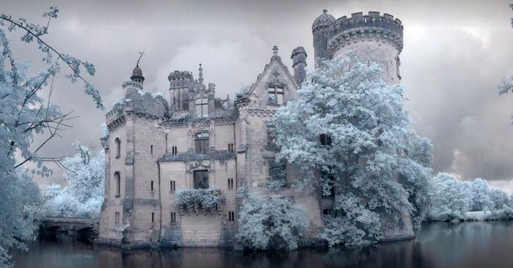 Chateau de la Mothe-Chanteniers,   Les Trois-Moutiers, France