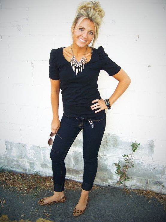 Stylin' Mommies: Cute blog for outfits! - Click image to find more Women's Fashion Pinterest pins