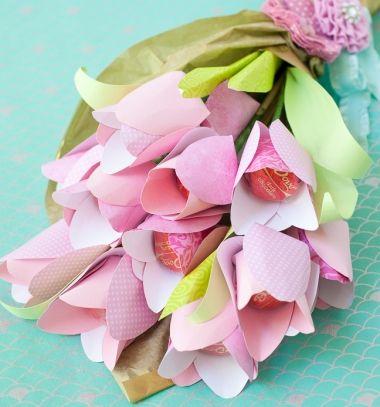 DIY easy paper tulip chocolate bouquet (free printable) // Papír bonbon csoki tulipán csokor egyszerűen - kreatív ajándék // Mindy - craft tutorial collection