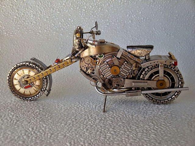 Prachtige motors: Gemaakt van oude horloges.