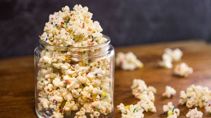 Buddy Valastro's White Chocolate Popcorn--can use milk or dark chocolate also