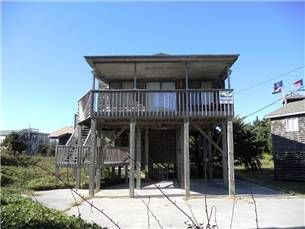 1 bth (K,2S,SFUTON,QSS) This semi-oceanfront, well-maintained home is the perfect getaway. Very comfortable & close to beach. Avon, Hatteras ...