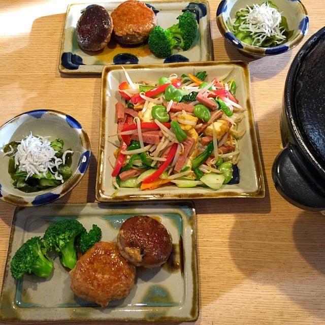 沖縄土産のチューリップでチャンプルうんまぁぁ - 6件のもぐもぐ - ソラマメと厚揚げのチャンプル、しいたけ肉詰め、わかめときゅうりの酢の物、ごはん❤︎ by awim