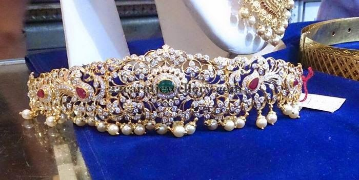 Jewellery Designs: Floral Pachi Vaddanam