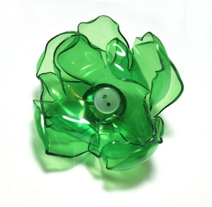 ThePlayDateBlog: EcoTwist with the recycled plastic flower accessory