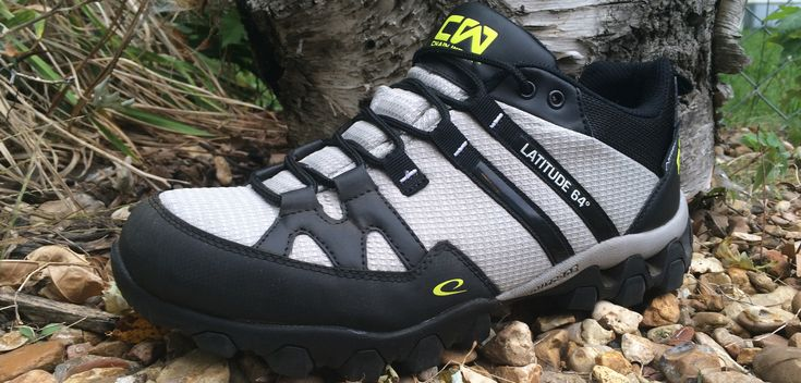 Review of the Latitude 64 T-Link Disc Golf Shoe. Available in a variety of sizes and in three colors. Details on grip, wear, and comfort are included.