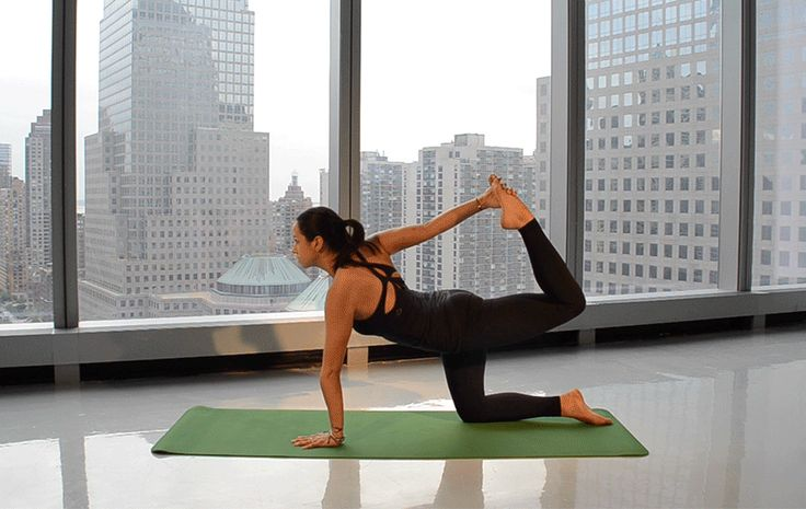 This 5-Minute Morning Yoga Flow Will Help You Have The Best Day Part 3 Ever - SELF