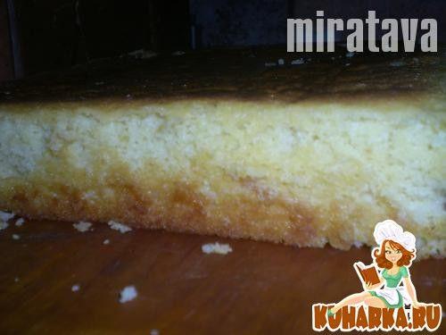 Рецепт: Роскошный Золотистый Торт (Масляный Бисквит)