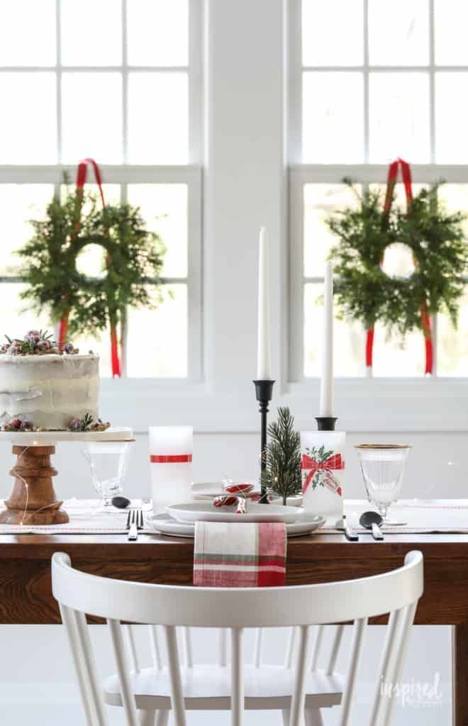 Vintage Modern Christmas Table Decor Ideas To Dress Up Your Home For The Holidays Diningro Christmas Table Holiday Table Settings