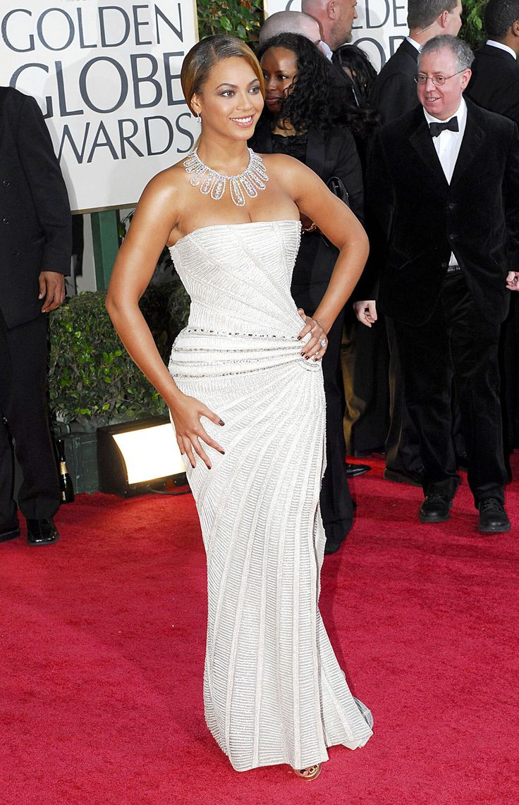 Beyonce Knowles White Dress Elie Saab Diamond Necklace