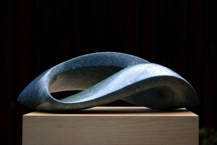 Jan van der Laan- Serpentijn opaal - 2009 - Enkele lus