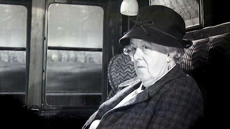 "Die Miss Marple Filme waren KULT. Margaret Rutherford, hier in ""16.50h ab…"
