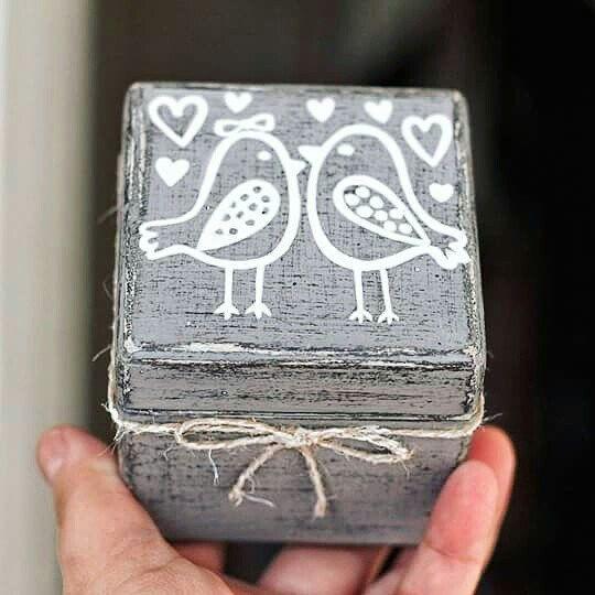 Your wedding-your color. #engagement #engagementbox #proposalbox #gray #woodbox #woodenbox #handmade #handcraft #rusticwedding #birds #ringbox #personalizedbox #ringpillow #weddingringpillow