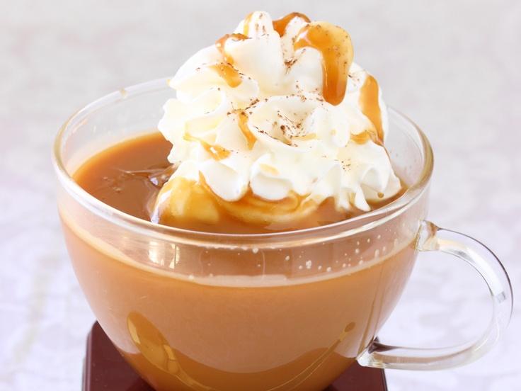 Caramel Hot Chocolate | Hot chocolate bar | Pinterest