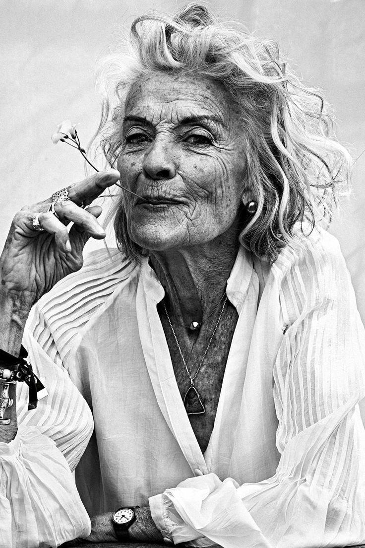 Die schönsten Bilder von Ibiza Ibiza Böhmen ist das schönste Porträt der Strände von Ibiza und der Künstler, Musiker und Kreativen, die …