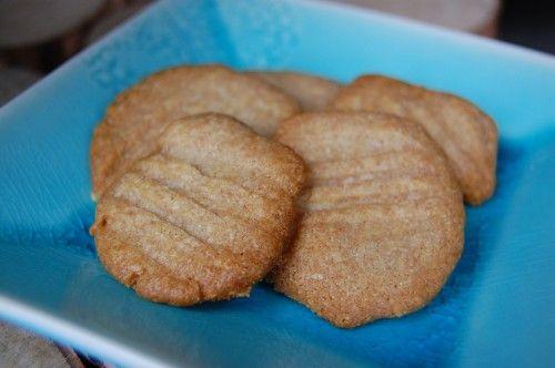 Easy Homemade Cheesy Crackers
