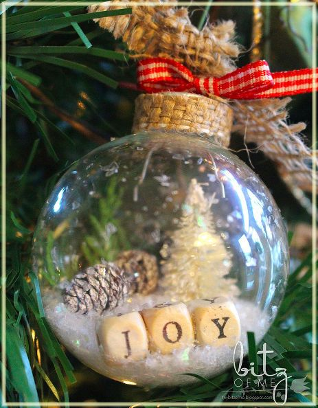 DIY rustic country shaker ornaments. Bottle Brush trees can be purchased or made fit inside with a dollop of hot glue Tie off with burlap ribbon and hang