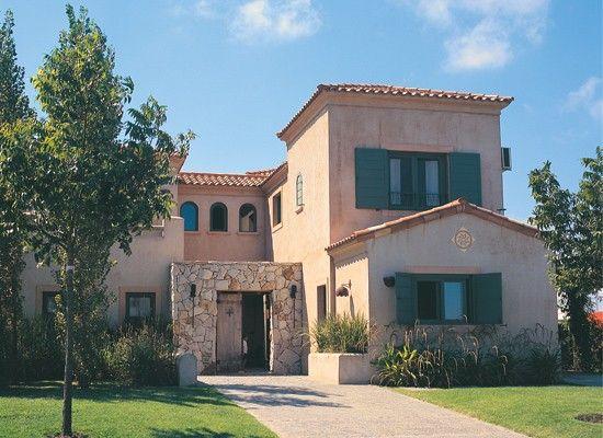Fachada estilo colonial con piedras buscar con google - Fachadas de casas con piedra ...