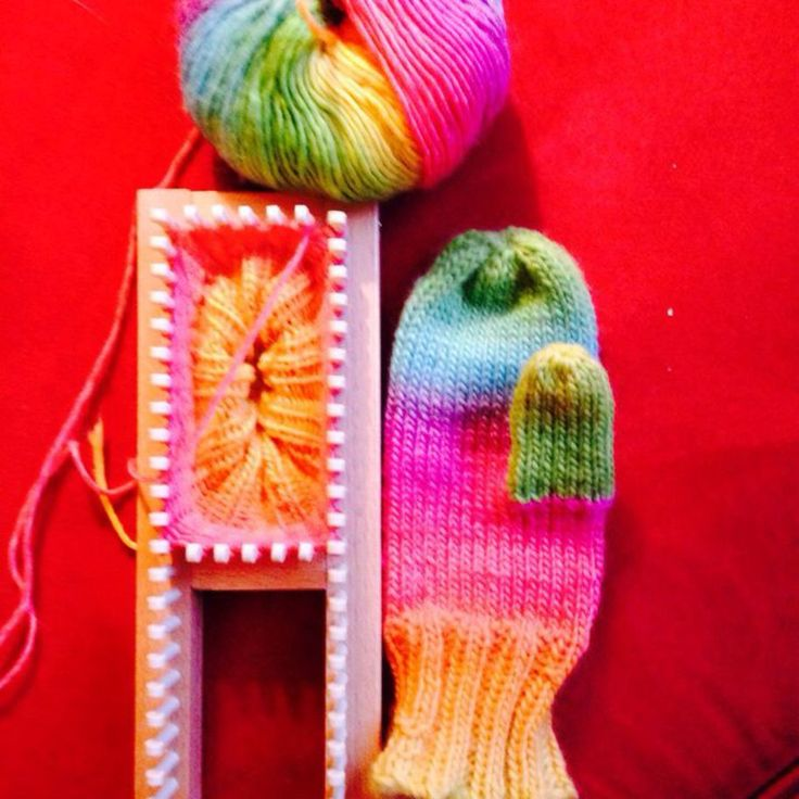 Knitting Mittens On A Loom : Images about knitting on pinterest looms