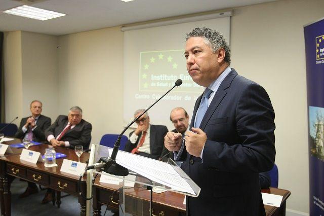 El Gobierno asume que en 2015 también 'tirará' de la hucha de las pensiones - http://plazafinanciera.com/economia/seguridad_social/el-gobierno-asume-que-en-2015-tambien-tirara-de-la-hucha-de-las-pensiones/ | #Déficit, #DeudaPública, #FátimaBáñez, #SeguridadSocial, #TomásBurgos #SeguridadSocial