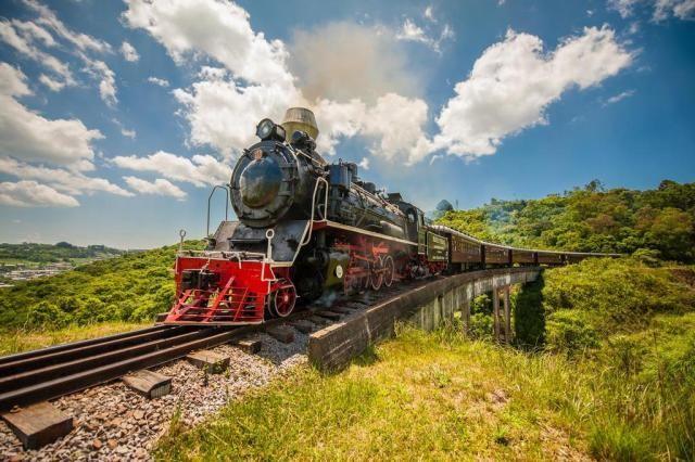 Belas paisagens, trem e vinho na rota Vale dos Vinhedos, em Bento Gonçalves Giordani Turismo/Divulgação Rio Grande do Sul
