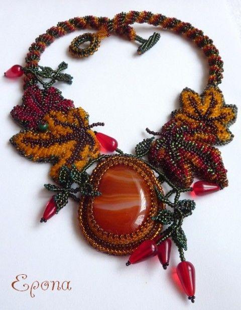 V barvách podzimu náhrdelník karneol beadweaving pestrobarevný šité šperky