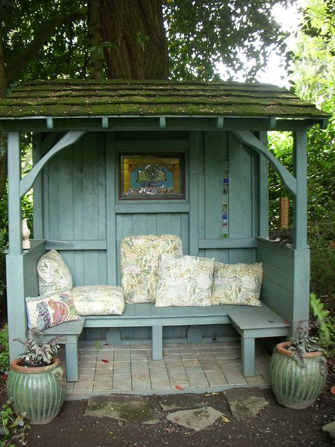 Nice little cubby to get in from the elements without losing the fresh air & scenery :)