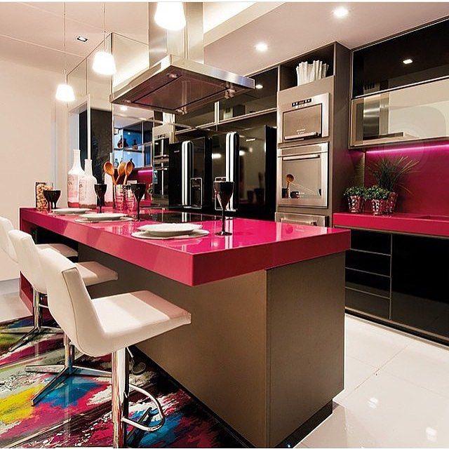 A famosa cozinha pink do casa cor  por Alessandra guidoni. @decoreinteriores