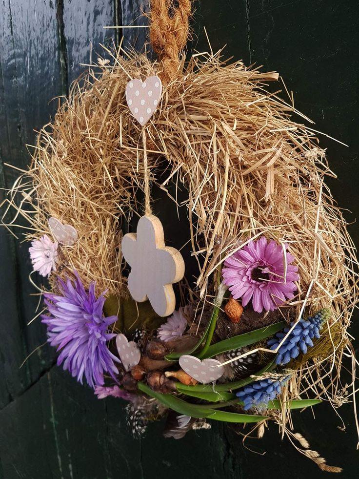 Wanddeko - Frühlingskranz ♥ lila ♥ Perlhyazinten - ein Designerstück von blumen-atelier bei DaWanda