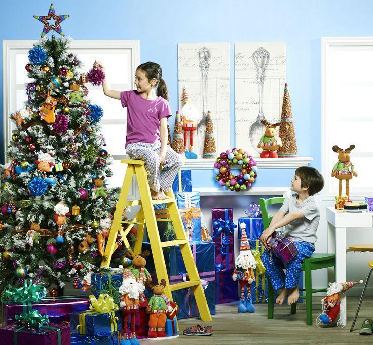 ¡A los niños les encanta la colección Fantasy! Decora tu hogar con divertidos colores, simpáticos renos y viejitos pascueros.   #Deco#Navidad #Santa  #Hogar #EasyChile #EasyTienda#TiendaEasy
