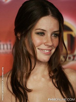 Evangeline Lilly Pictures: Glamorous in the Press