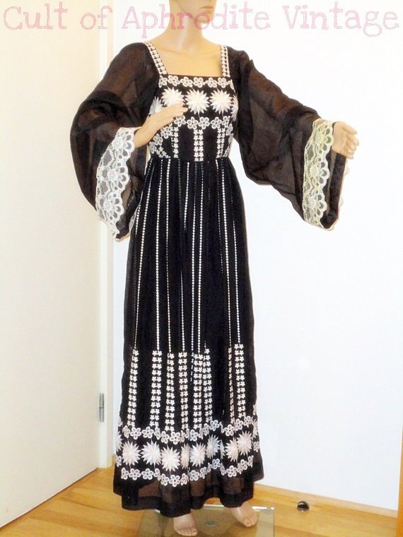 Sale vintage s mexican floral embroidery angel sleeves