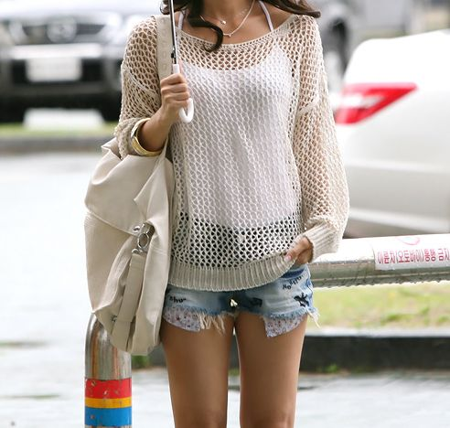 This is a very cute crochet top, wanna figure out how to make it :)