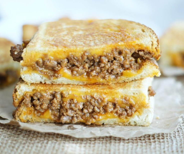 Sloppy Joe Grilled Cheese Sandwiches have all of the flavors of your favorite sloppy joe recipe that then gets grilled between 2 cheesy pieces of bread! via @bestblogrecipes