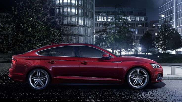 Hollen naar je dealer want natuurlijk wil je de eerste zijn. Want de nieuwe Audi A5 Sportback en Q5 zijn in de voorverkoop bestelbaar.