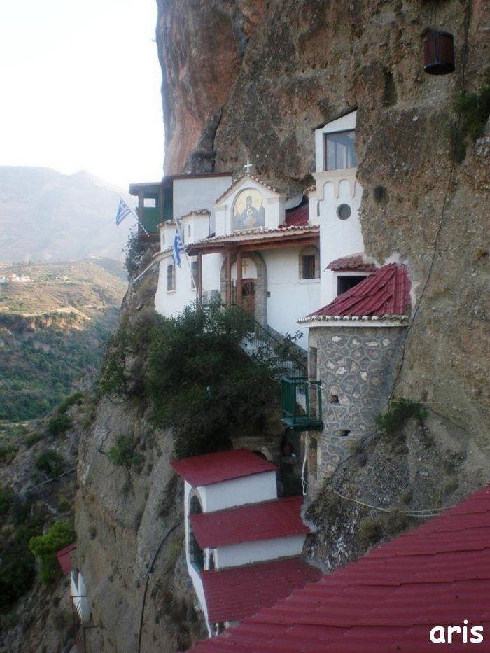 Παναγιά η Καταφυγιώτισσα, Δερβένι. Η εκκλησία της Παναγίας των Καταφυγίων ευρίσκεται περίπου 10 χιλιόμετρα νοτίως του Δερβενίου Κορινθίας, επί της οδού που οδηγεί στο ορεινό Σαραντάπηχο. Την προσωνυμία της η εκκλησία έχει αποκτήσει από τα Καταφύγια, την περιοχή που οικοδομήθηκε. Στην περιοχή «καταφύγια» και μέσα σε δυσπρόσιτες σπηλιές και σε απόκρημνα  βράχια, είχαν καταφύγει οι Ζαχολίτες στην περίοδο της Τουρκοκρατίας, για να κρυφτούν και να αποφύγουν τους διωγμούς των κατακτητών.