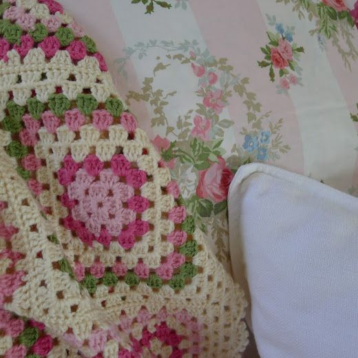 1000+ images about Shabby chic on Pinterest  Vintage fabrics, Vintage ...