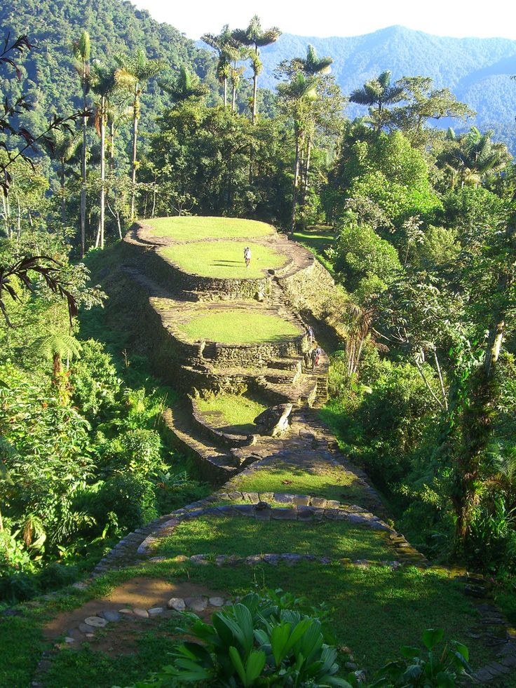 Ciudad Perdida (Lost City) founded about 800 AD, is the archaeological site of an ancient city in Sierra Nevada of Santa Marta, Colombia. Is also known as Buritaca-200 and the native american call it Teyuna