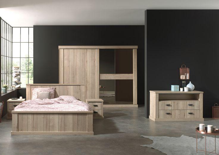 CORNWALL slaapkamer in robuust hout °° Comode met lade en open opbergvak - houten bed met nachttafeltjes - kleerkast met schuifdeuren en integratie spiegel