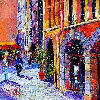 Mona Edulesco - A WALK IN THE LYON OLD TOWN
