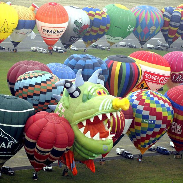World record 343 hot air balloons take off at the Lorraine Mondial festival in France