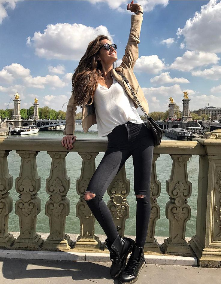 Izabel Goulart in Paris on April, 2017