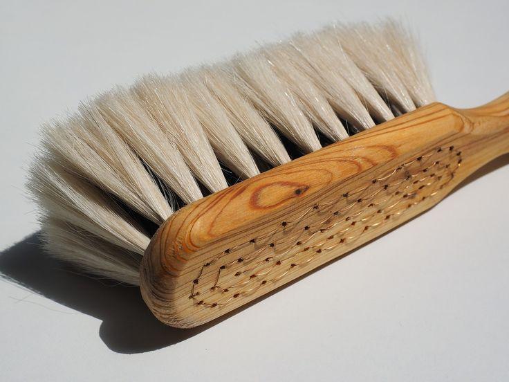 Dry skin brushing zorgt voor een gezonde en stralende huid. Ik zet de 5 voordelen van droog borstelen voor jouw huid op een rijtje.