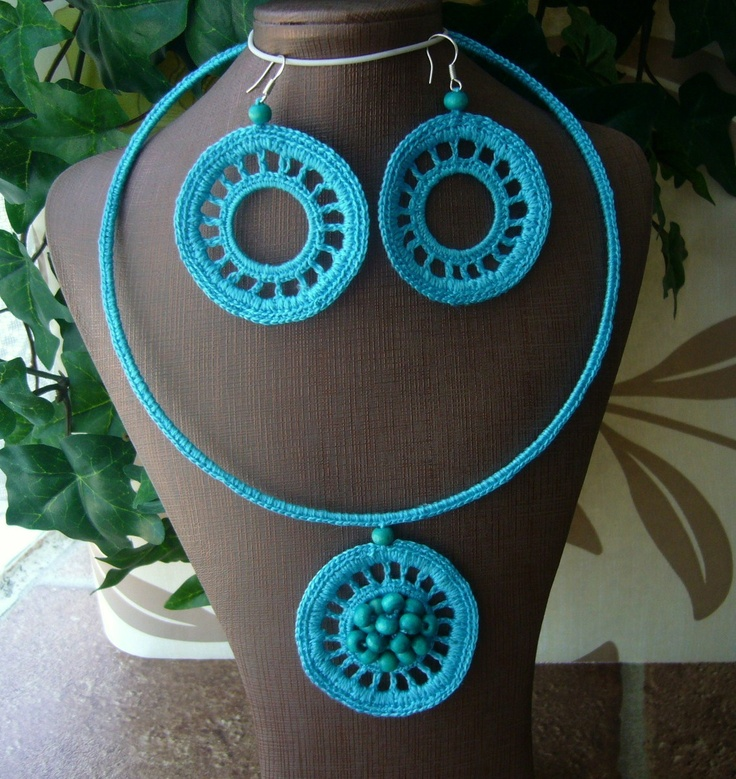 crochet necklace and earrings set  http://www.etsy.com/shop/CraftsbySigita?ref=si_shop